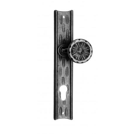 Kovaná koule na štítu model 61 vyosená