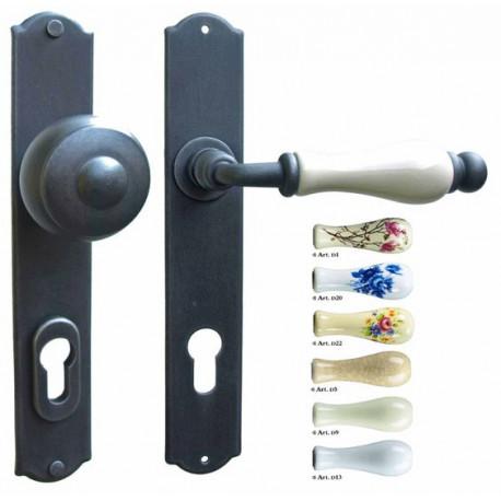 Kované ochranné kování na štítě model 4363
