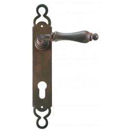 Kovaná klika na dveře model 2500
