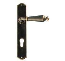 Kovaná klika na dveře model 2400