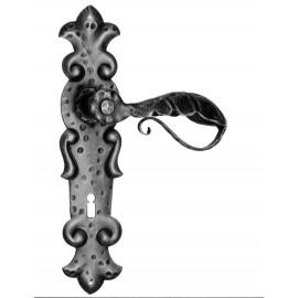 Kovaná klika na dveře model 508