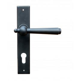 Kovaná klika na dveře model 2907
