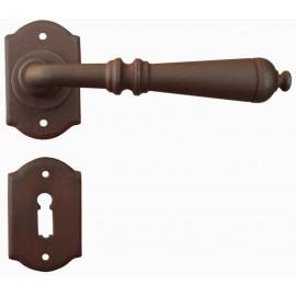 Kovaná klika ke dveřím model 2701