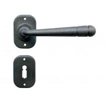 Kovaná klika ke dveřím model 16