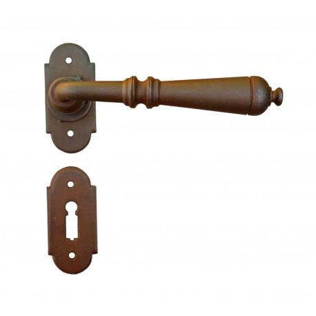 Kovaná klika model 2698