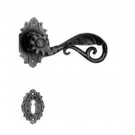 Kovaná klika ke dveřím model 15