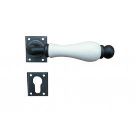 Kovaná klika ke dveřím model 5-20