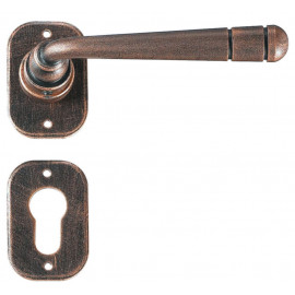 Kovaná klika ke dveřím model 2110