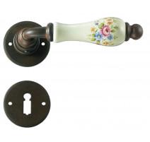 Kovaná klika ke dveřím model 3-10