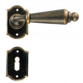 Kovaná klika ke dveřím model 2401