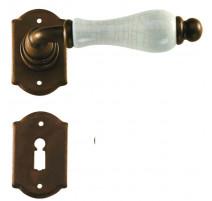 Kovaná klika ke dveřím model 2-20