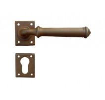 Kovaná klika ke dveřím model 1901