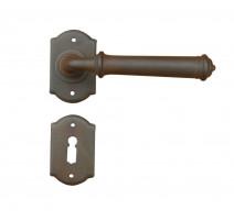 Kovaná klika ke dveřím model 1902