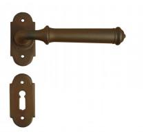 Kovaná klika ke dveřím model 1904