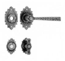 Rozetové kované kliky