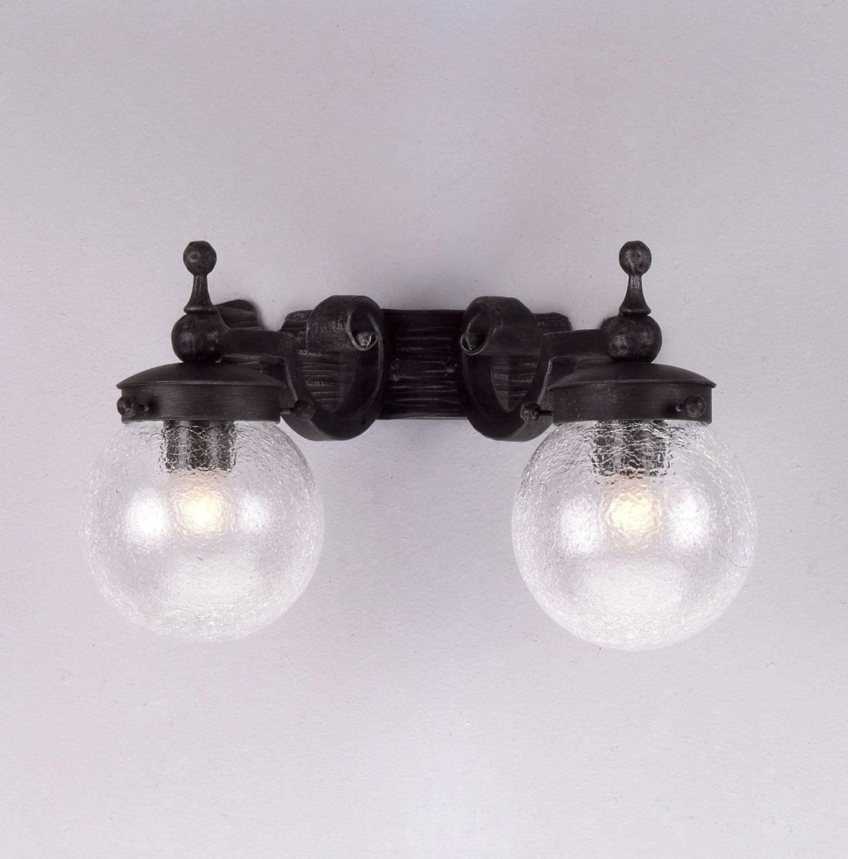 Kované nástěnné světlo model 3105