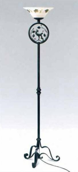 Kovaná samostatně stojící lampa model 3124