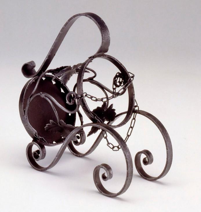 Kovaný stojan na víno model 3033